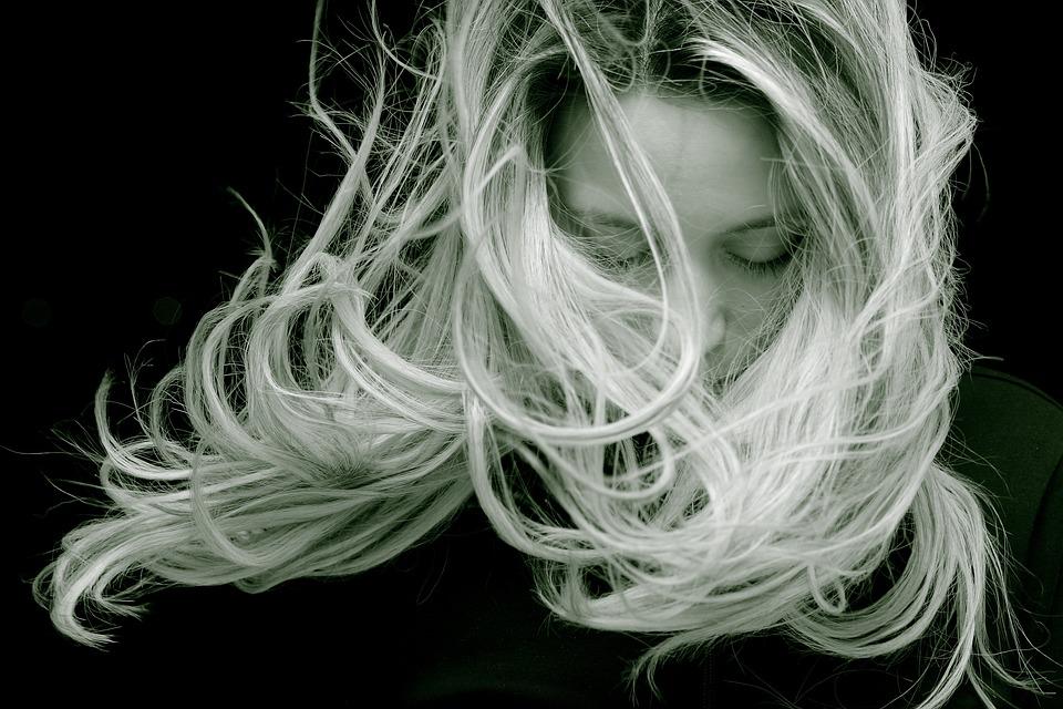 绝经前妇女多毛症的评估与治疗